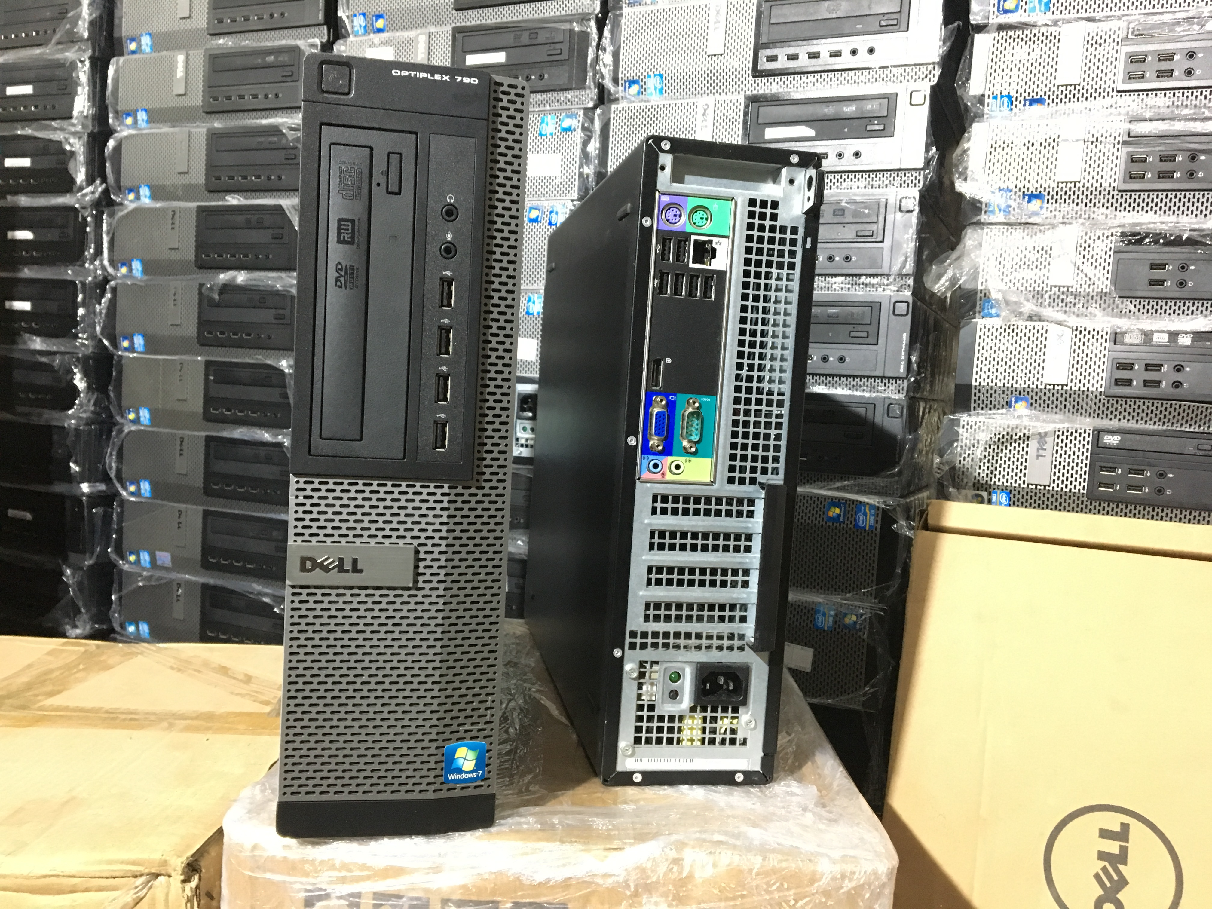http://maytinhrenhat.vn/Images/image/Dell%20790%20DT/IMG_0192.JPG